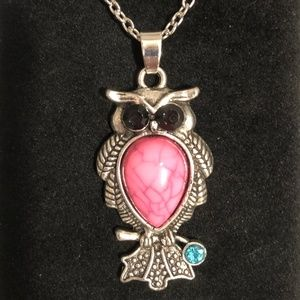 Jewelry - Stylish Vintage Crystal Owl Pendant Necklace